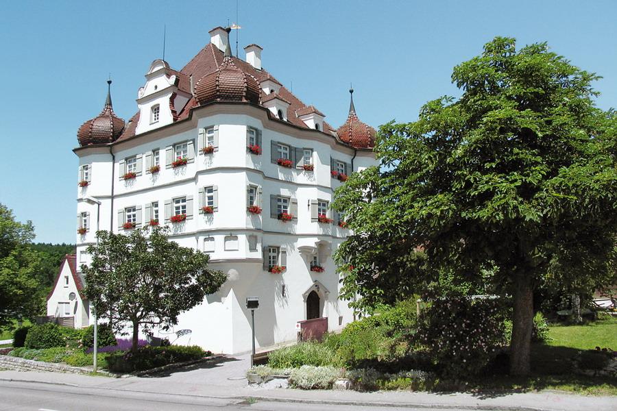 Bernstadt Schloss