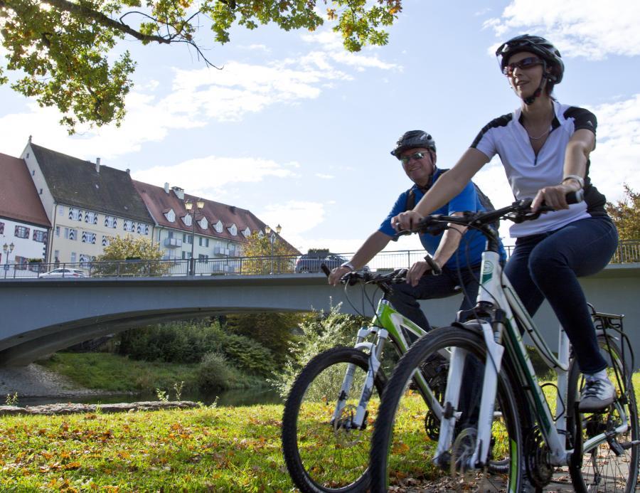 Endlich Frühling! Die perfekte Zeit für Rad- und Wandertouren