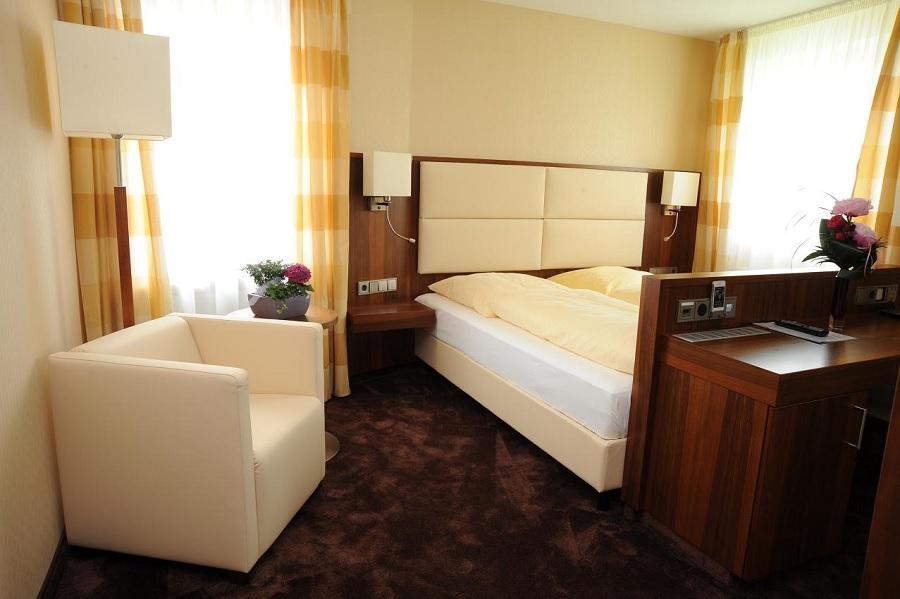 Ehingen_Hotel_Adler_Zimmer1