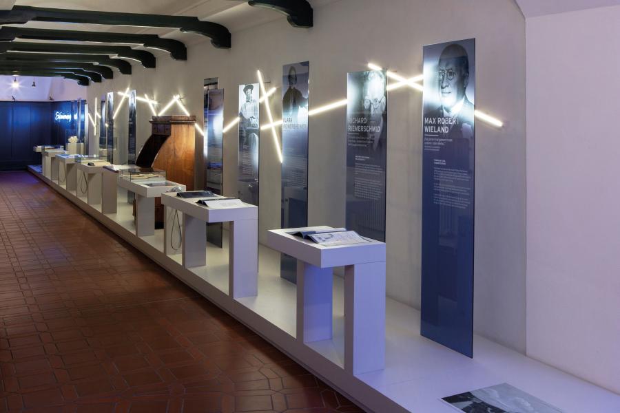 Ausstellung Lebenslinien Villa Lindenhof